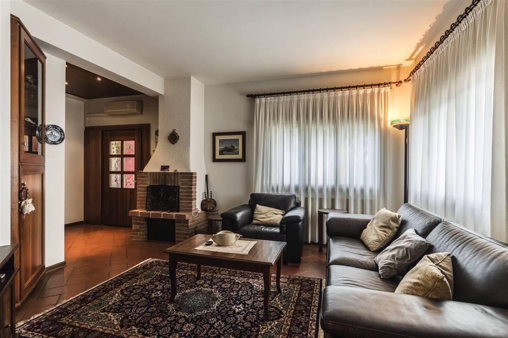 Soluzione Indipendente in vendita a Martellago, 7 locali, zona Zona: Maerne, prezzo € 220.000 | CambioCasa.it