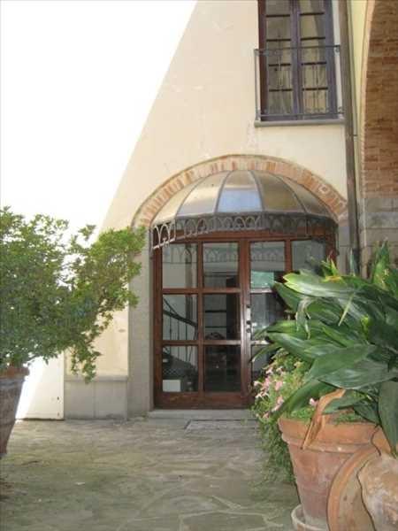 Rustico / Casale in vendita a Signa, 7 locali, prezzo € 250.000 | Cambio Casa.it