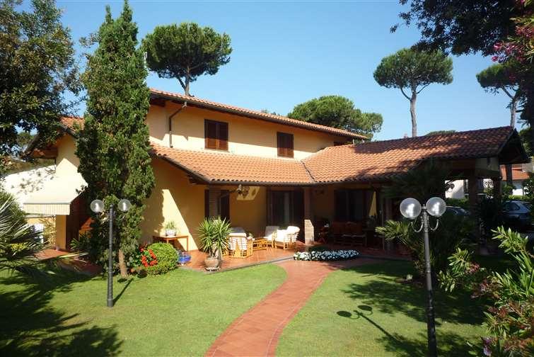 Villa, Marina Di Pietrasanta, Pietrasanta, ristrutturata