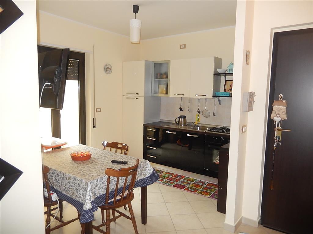 Appartamento in vendita a Settingiano, 4 locali, prezzo € 78.000 | CambioCasa.it