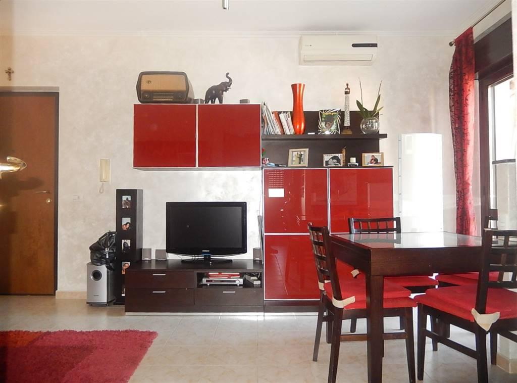 Appartamento in vendita a Settingiano, 3 locali, prezzo € 43.000   CambioCasa.it