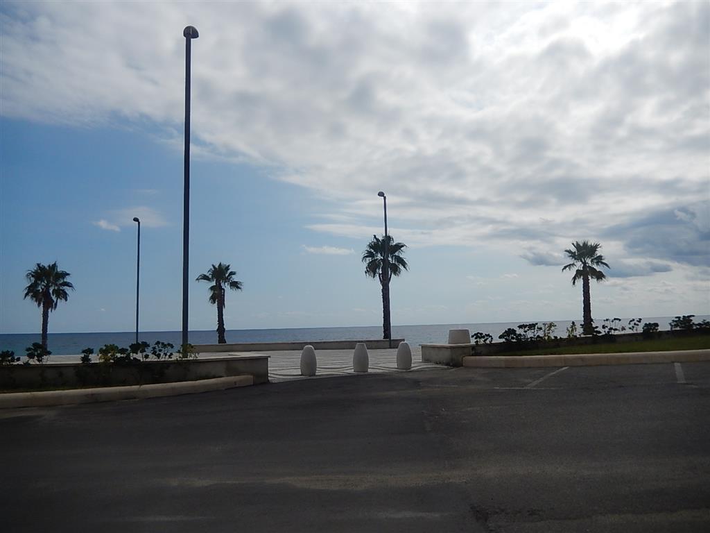 Soluzione Indipendente in vendita a Montauro, 2 locali, zona Località: CALALUNGA, prezzo € 85.000   CambioCasa.it