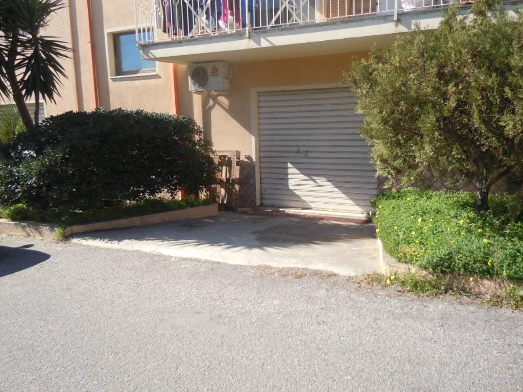 Negozio / Locale in vendita a Catanzaro, 1 locali, zona Zona: Catanzaro Lido, prezzo € 35.000 | CambioCasa.it