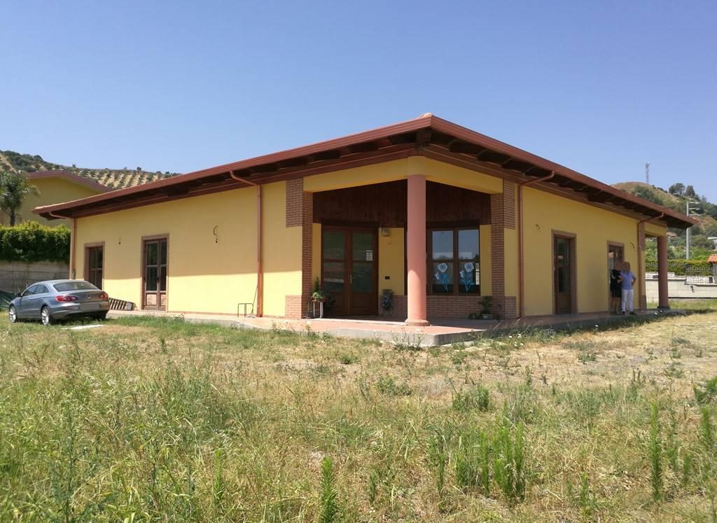 Negozio / Locale in vendita a Catanzaro, 5 locali, zona Zona: Barone, prezzo € 580.000 | CambioCasa.it
