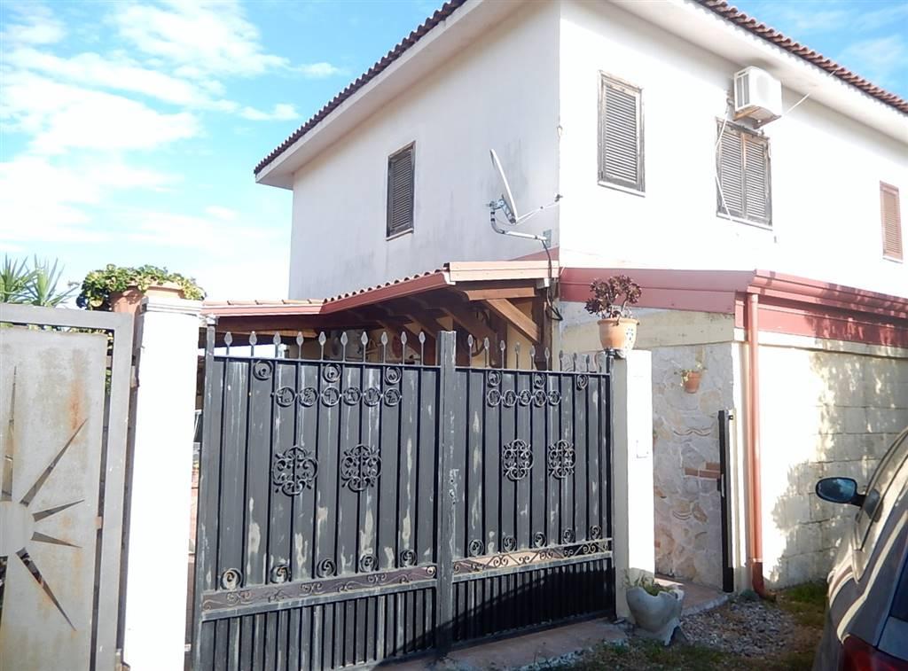 Villa a Schiera in vendita a Simeri Crichi, 3 locali, zona Zona: Simeri Mare, prezzo € 78.000   CambioCasa.it