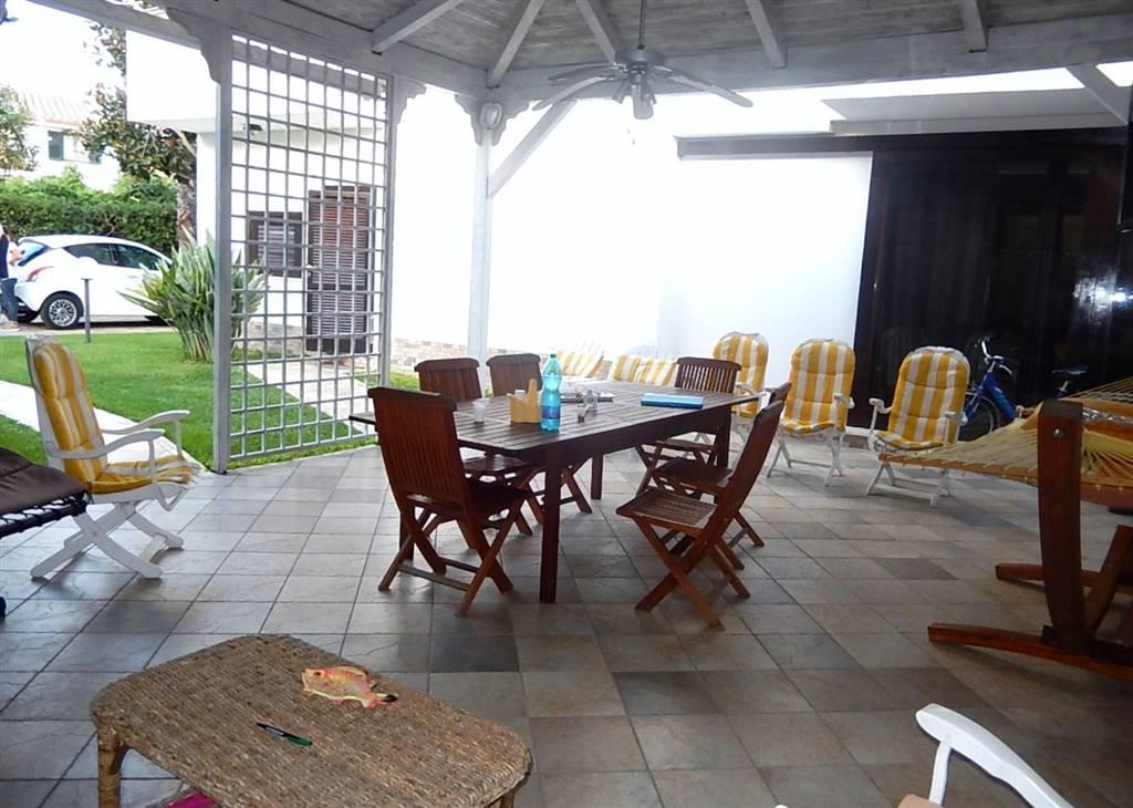 Villa in vendita a Borgia, 6 locali, zona Zona: Roccelletta, prezzo € 220.000 | CambioCasa.it