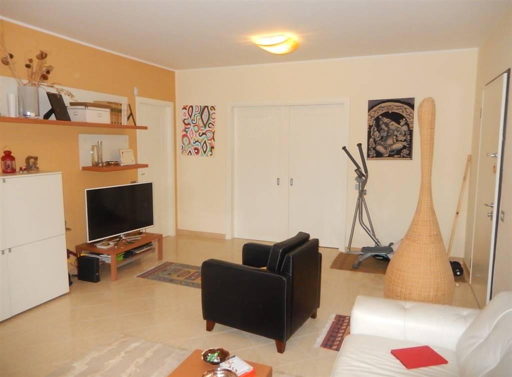 Appartamento in vendita a Catanzaro, 4 locali, zona Zona: Catanzaro Lido, prezzo € 95.000 | CambioCasa.it