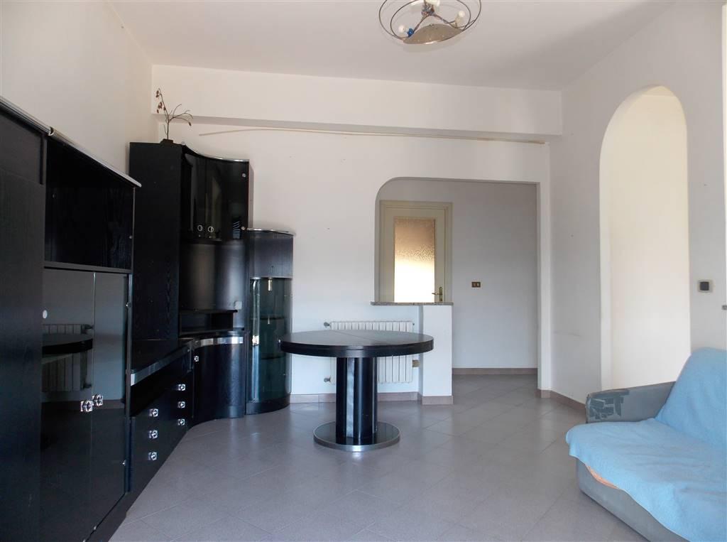 Appartamento in vendita a Catanzaro, 4 locali, zona Zona: Catanzaro Sala, prezzo € 83.000 | CambioCasa.it