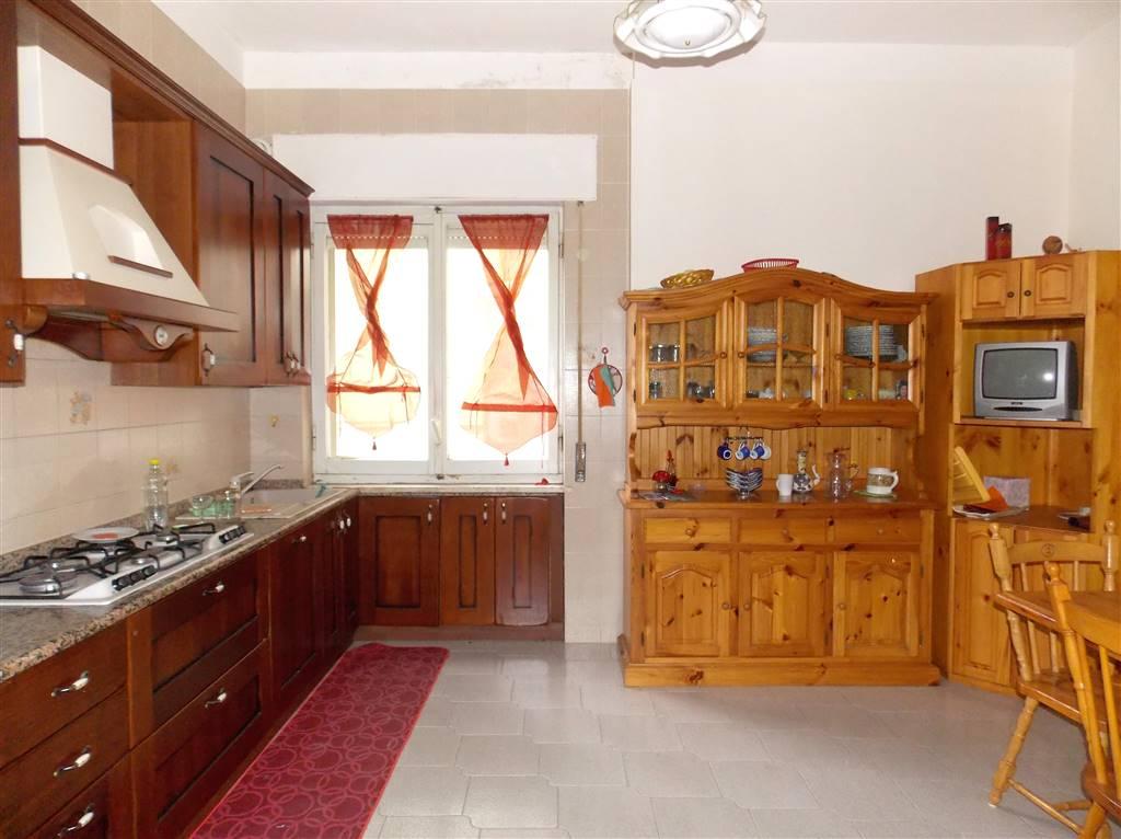 Appartamento in vendita a Catanzaro, 4 locali, zona Zona: Schipani, prezzo € 140.000 | CambioCasa.it