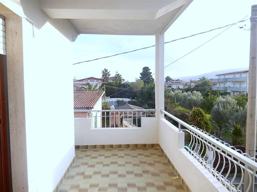 Appartamento in vendita a Davoli, 3 locali, zona Zona: Marina di Davoli, prezzo € 70.000 | CambioCasa.it