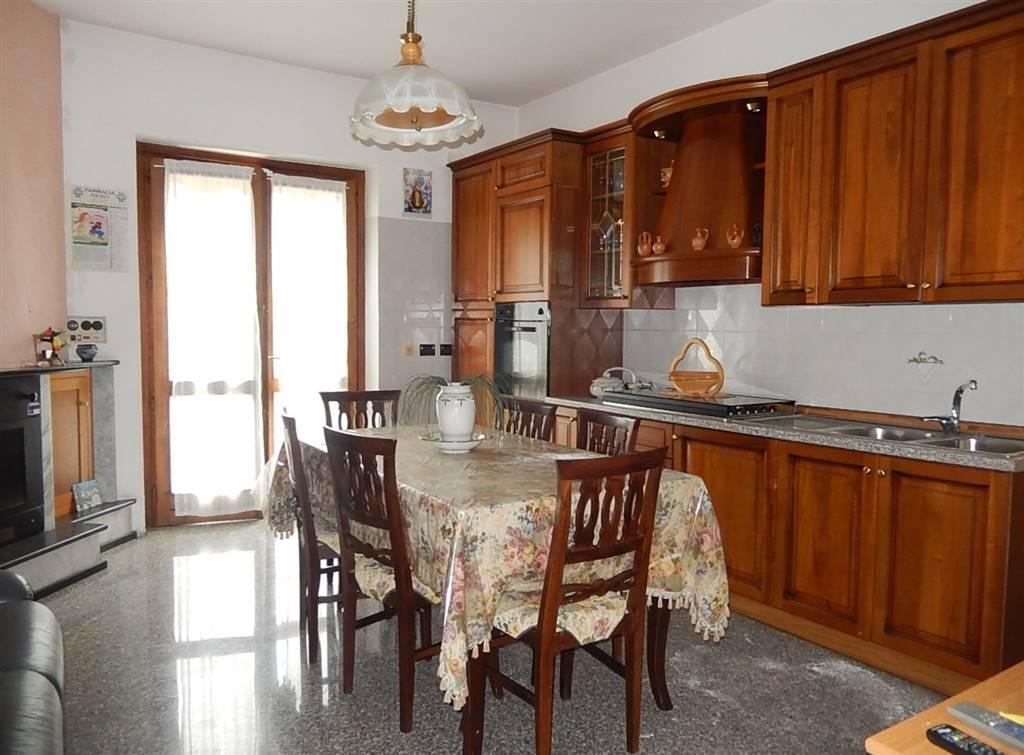 Soluzione Indipendente in vendita a Borgia, 3 locali, prezzo € 100.000   CambioCasa.it