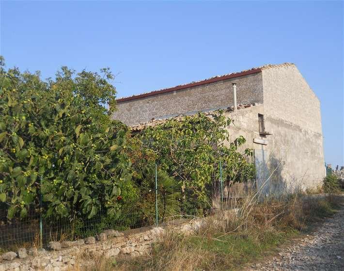 Rustico / Casale in vendita a Ragusa, 5 locali, zona Località: CAMPAGNA, prezzo € 70.000 | Cambio Casa.it