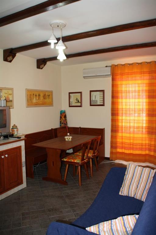 Soluzione Indipendente in affitto a Ragusa, 2 locali, zona Località: CENTRO STORICO ALTO, prezzo € 270 | CambioCasa.it