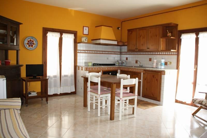 Soluzione Indipendente in affitto a Ragusa, 2 locali, zona Località: RAGUSA IBLA, prezzo € 420 | Cambio Casa.it