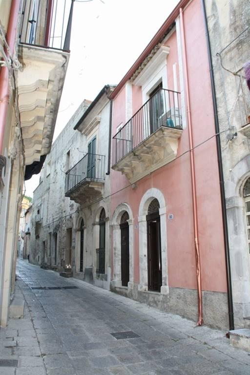 Soluzione Indipendente in affitto a Ragusa, 2 locali, zona Località: RAGUSA IBLA, prezzo € 320 | Cambio Casa.it