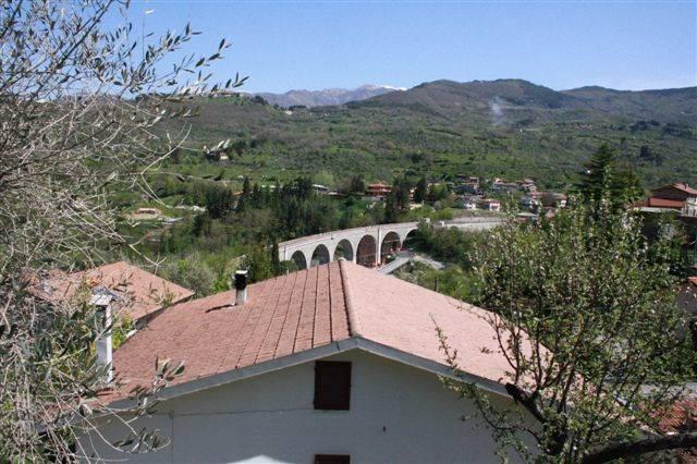 Soluzione Indipendente in vendita a Casola in Lunigiana, 5 locali, zona Zona: Argigliano, prezzo € 170.000 | CambioCasa.it