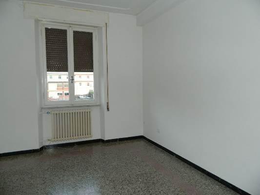 Appartamento in affitto a Aulla, 4 locali, prezzo € 370 | CambioCasa.it
