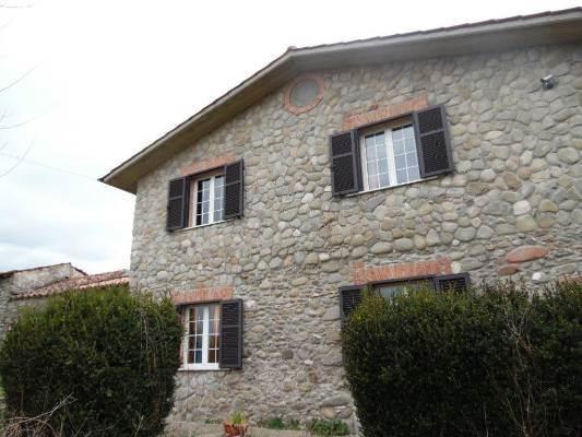 Soluzione Indipendente in vendita a Filattiera, 6 locali, prezzo € 300.000 | CambioCasa.it