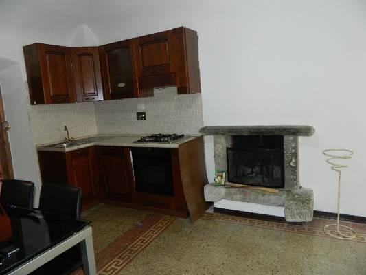 Appartamento in affitto a Licciana Nardi, 3 locali, prezzo € 380 | CambioCasa.it