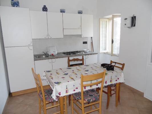 Soluzione Indipendente in affitto a Aulla, 4 locali, prezzo € 320 | CambioCasa.it