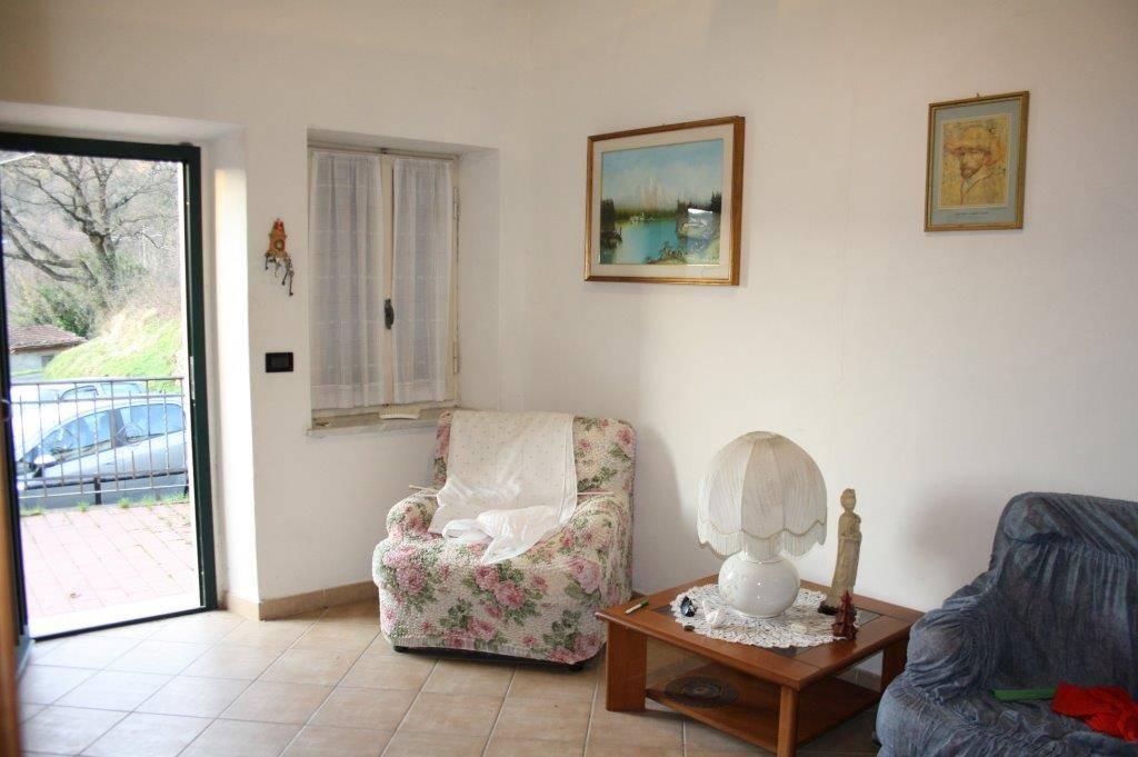 Soluzione Indipendente in vendita a Aulla, 4 locali, prezzo € 55.000 | CambioCasa.it