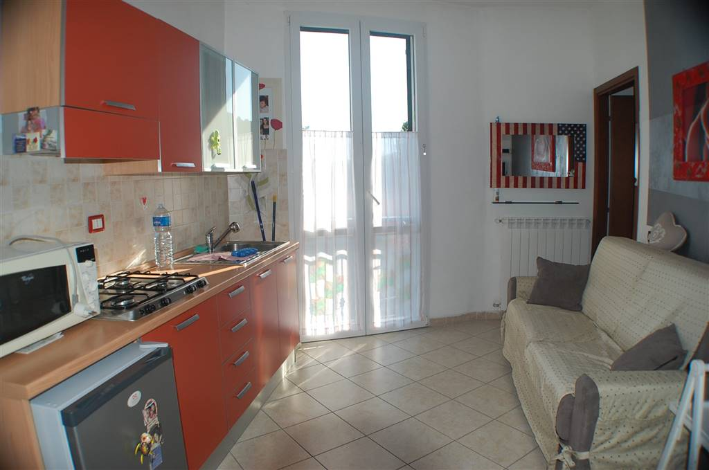 Appartamento in affitto a Aulla, 2 locali, prezzo € 350 | CambioCasa.it
