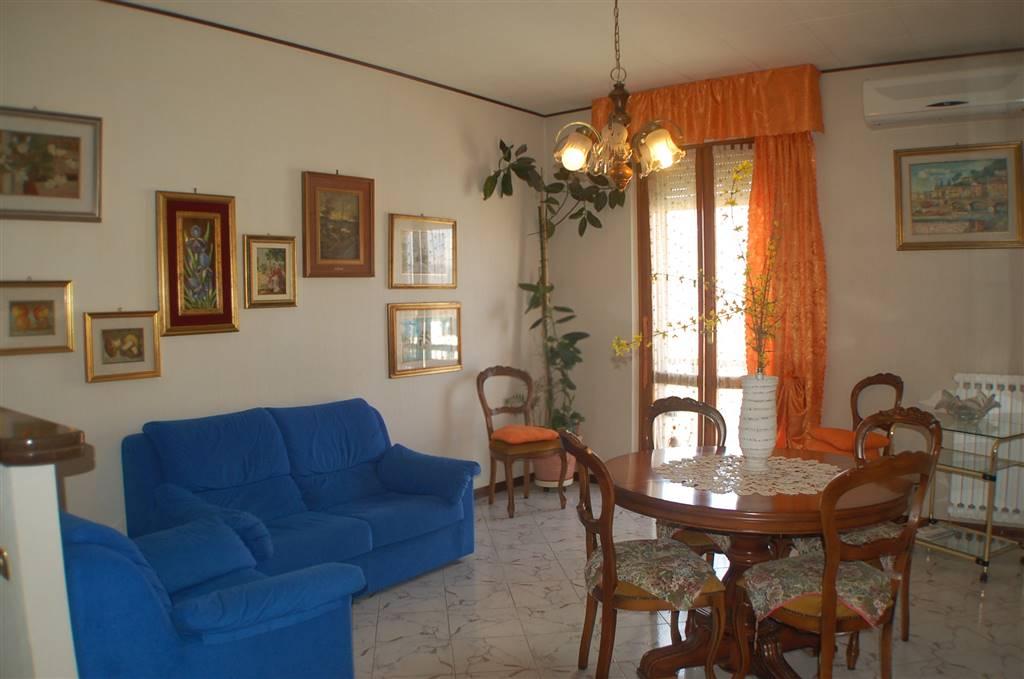 Appartamento in affitto a Aulla, 5 locali, prezzo € 450 | CambioCasa.it