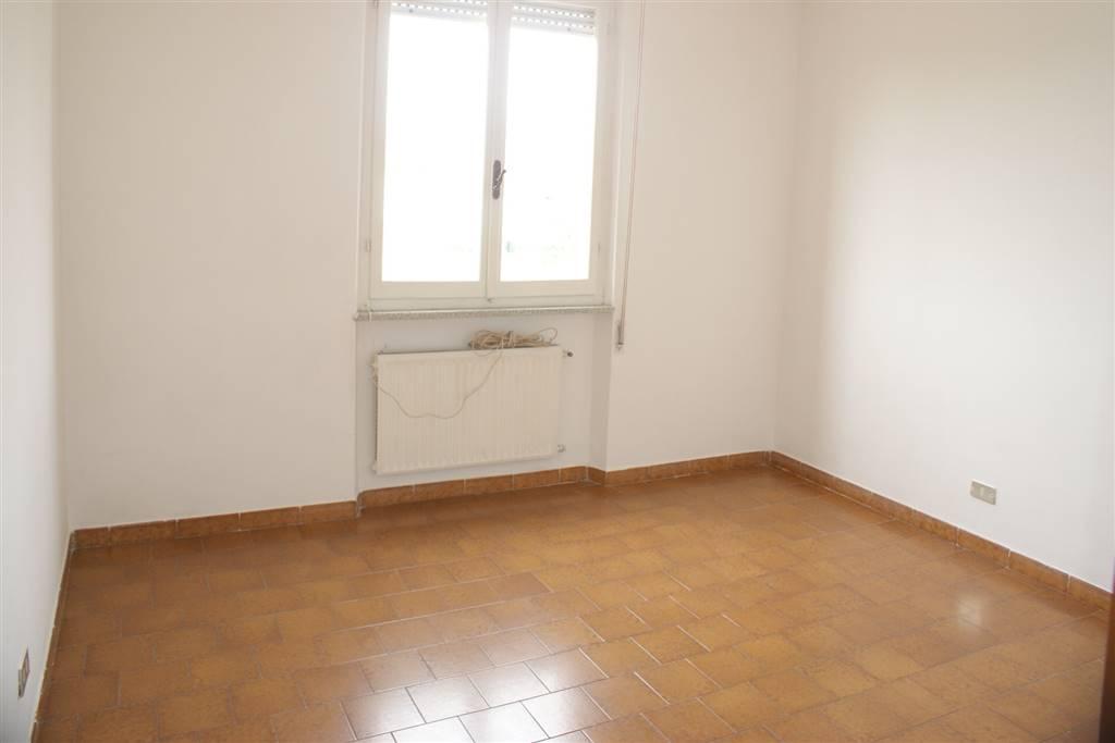 Appartamento in vendita a Santo Stefano di Magra, 4 locali, prezzo € 125.000 | CambioCasa.it