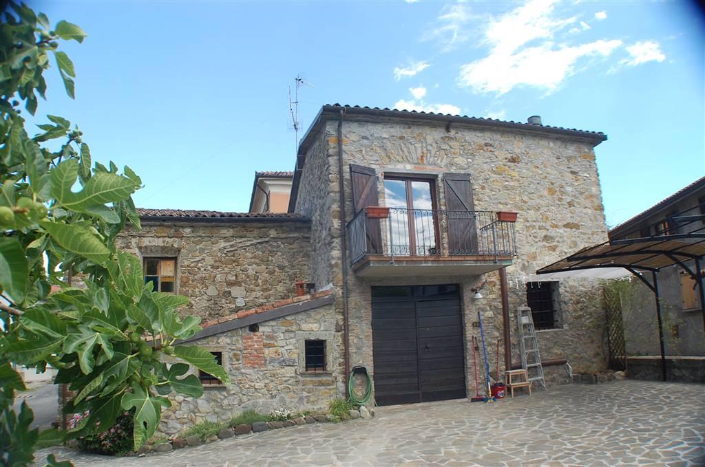Soluzione Semindipendente in affitto a Aulla, 6 locali, prezzo € 600 | CambioCasa.it