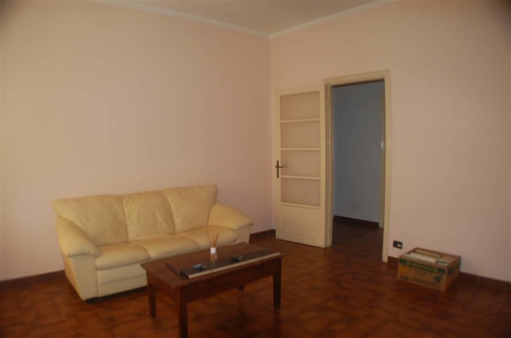Appartamento in affitto a Aulla, 5 locali, prezzo € 430 | CambioCasa.it