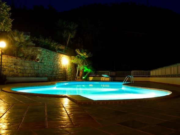 Villa in vendita a Vallecrosia, 14 locali, prezzo € 790.000 | Cambio Casa.it