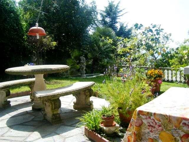 Villa in vendita a Bordighera, 10 locali, prezzo € 990.000   Cambio Casa.it
