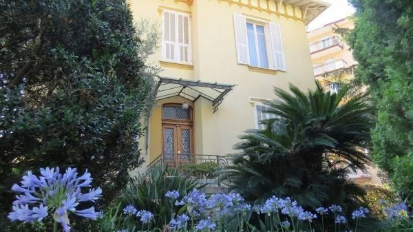 Villa in vendita a Vallecrosia, 5 locali, prezzo € 750.000 | Cambio Casa.it