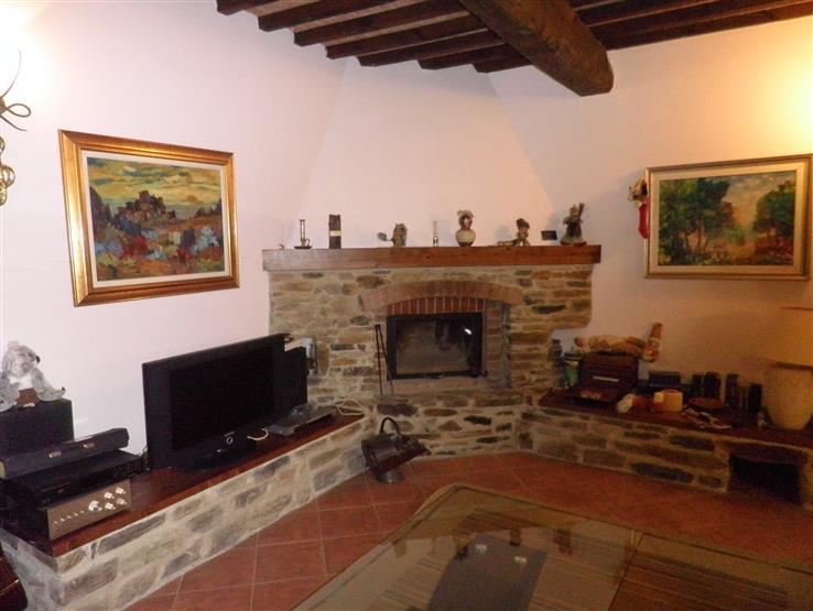 Rustico / Casale in vendita a Collesalvetti, 6 locali, zona Zona: Castell'Anselmo, prezzo € 460.000 | Cambio Casa.it