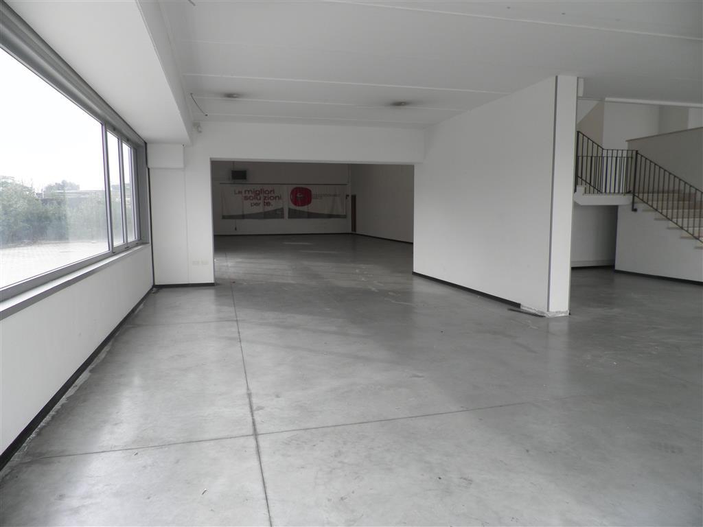 Capannone in affitto a Pisa, 9999 locali, zona Zona: Ospedaletto, prezzo € 4.500 | CambioCasa.it