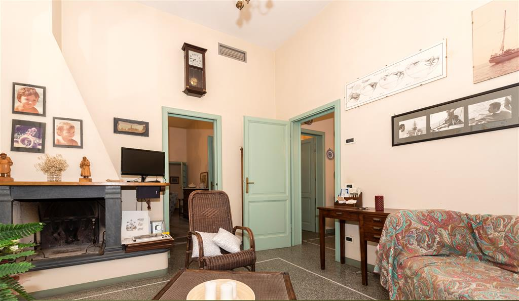 Soluzione Indipendente in vendita a Viareggio, 5 locali, Trattative riservate   Cambio Casa.it