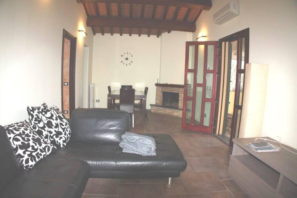 Villa in affitto a Pisa, 4 locali, zona Località: AEROPORTO, prezzo € 770 | Cambio Casa.it