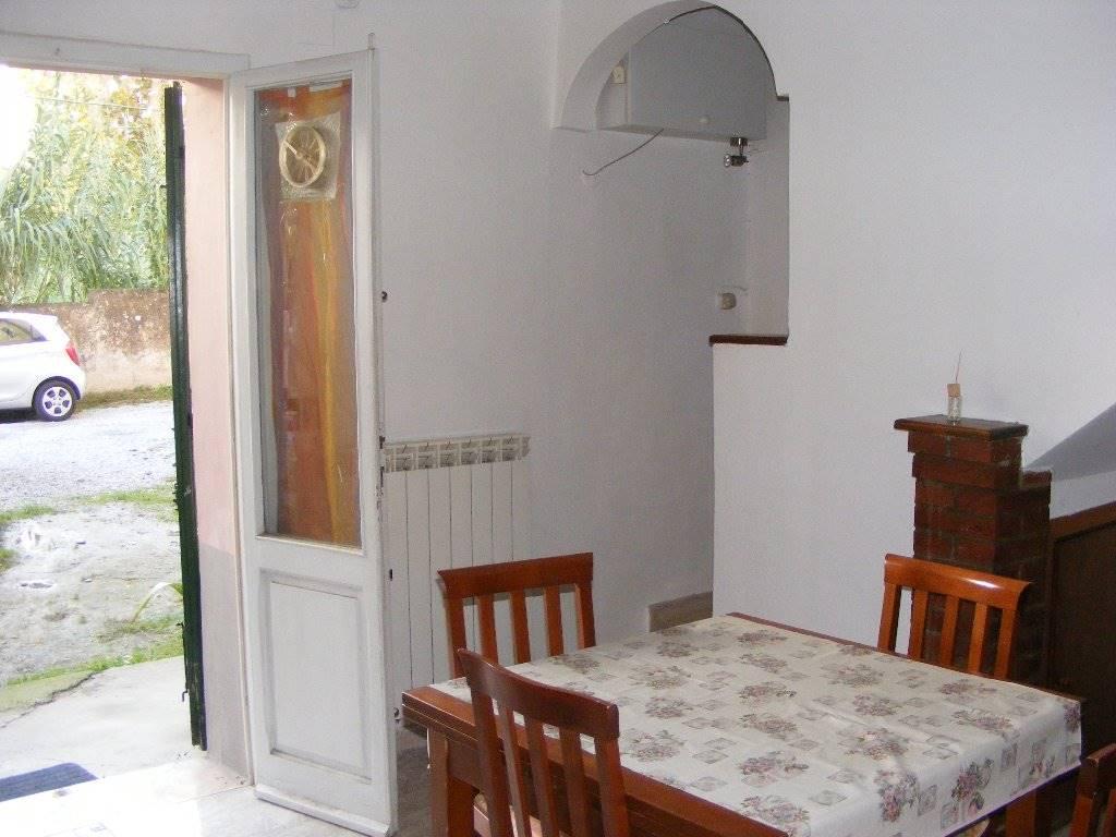 Soluzione Indipendente in affitto a Pisa, 3 locali, zona Zona: Porta a mare, prezzo € 600 | Cambio Casa.it