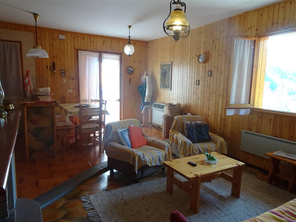 Appartamento in vendita a Riolunato, 3 locali, prezzo € 63.000 | CambioCasa.it