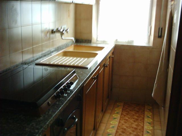 Villa in vendita a Calcinaia, 8 locali, prezzo € 600.000 | Cambio Casa.it
