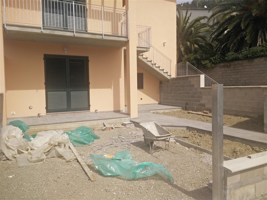 Appartamento in vendita a Calci, 4 locali, zona Zona: La Gabella, prezzo € 230.000 | Cambio Casa.it