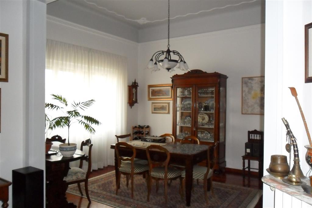 Appartamento in vendita a Livorno, 5 locali, zona Località: Stadio, prezzo € 600.000 | Cambio Casa.it