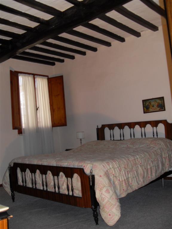 Rustico / Casale in vendita a Lajatico, 5 locali, prezzo € 200.000 | CambioCasa.it
