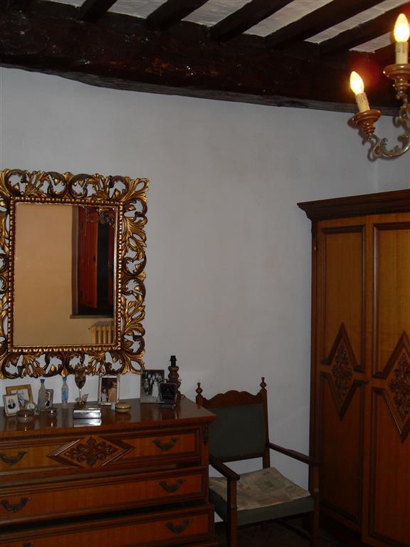 Rustico / Casale in vendita a Lajatico, 3 locali, prezzo € 100.000 | CambioCasa.it