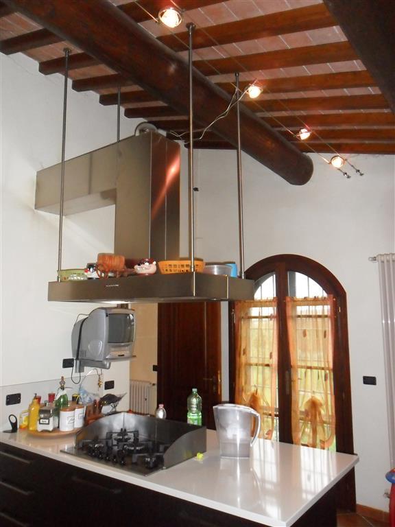 Rustico / Casale in vendita a Cascina, 7 locali, prezzo € 360.000 | Cambio Casa.it