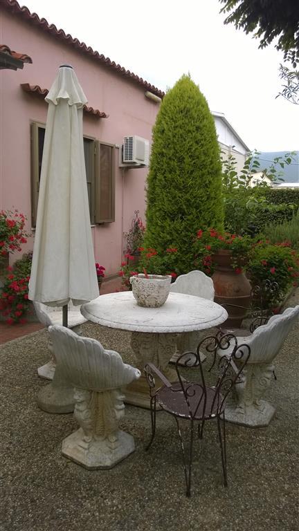 Palazzo / Stabile in vendita a Calci, 20 locali, prezzo € 750.000 | CambioCasa.it