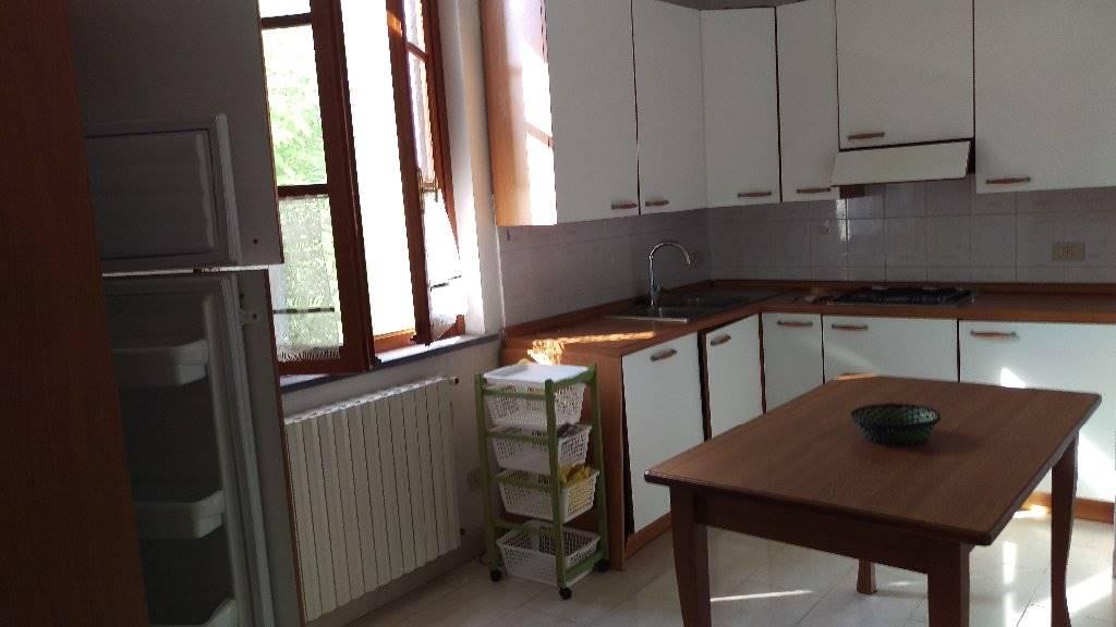 Appartamento in affitto a Cascina, 5 locali, zona Zona: Musigliano, prezzo € 750 | Cambio Casa.it