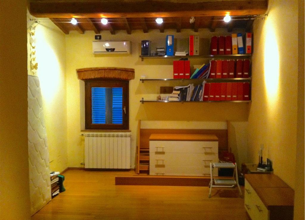 Trilocale, Navacchio, Cascina