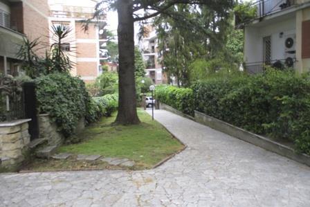 Appartamento in Via Dicomano, Cassia, Tomba Di Nerone, Olgiata, Roma