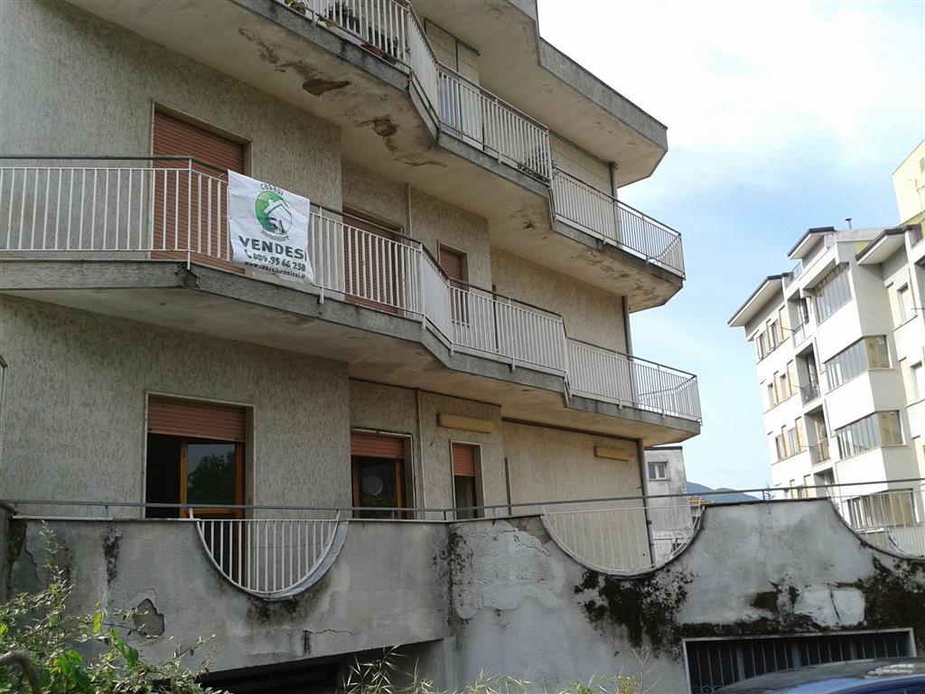Appartamento in vendita a Baronissi, 4 locali, zona Zona: Sava, prezzo € 140.000 | Cambio Casa.it